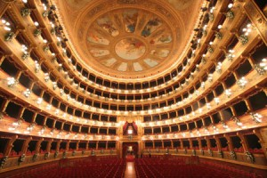 L opera in musica l opera lirica e il melodramma musica for Equilibrio sinonimi