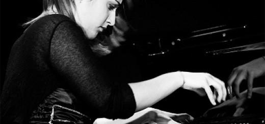 Leonora_at_piano@IreneFanizza
