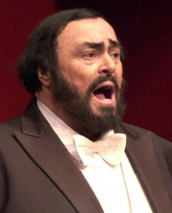 PEOPLE PAVAROTTI