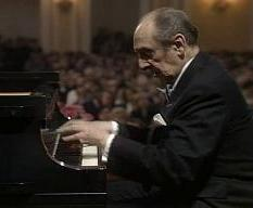 Vladimir_Horowitz_in_performa