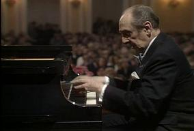 Vladimir_Horowitz_in_performance
