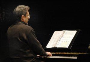 Girolamo De Simone - foto al piano